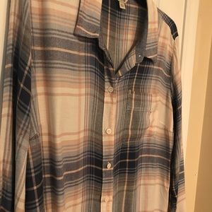 Lucky Brand plaid shirt. Excellent condition !